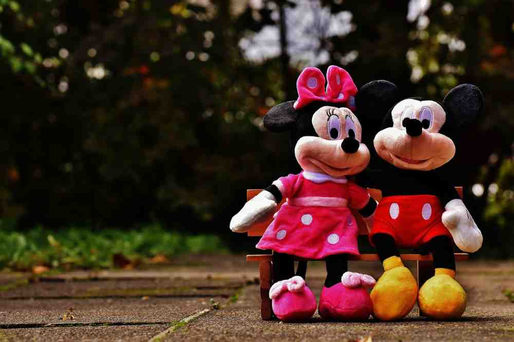 mickey mouse and minnie mouse - How To Run A Mickey Mouse Themed Birthday Party